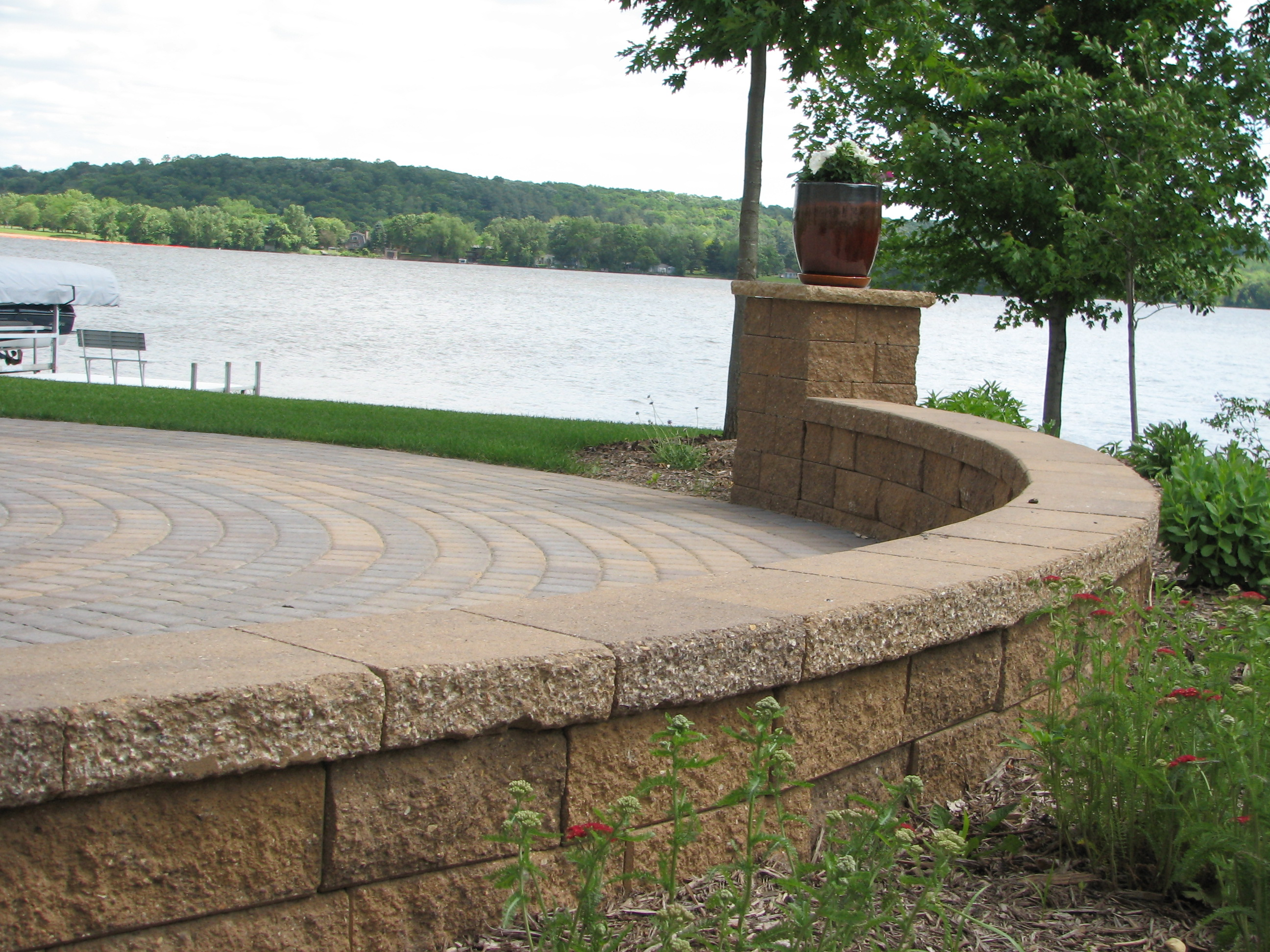 Trendy twin cities landscape for Lakefront landscaping photos